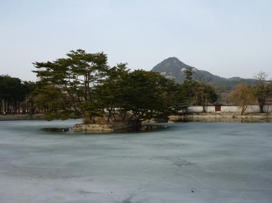 Bukhansan from Gyeongbokgung